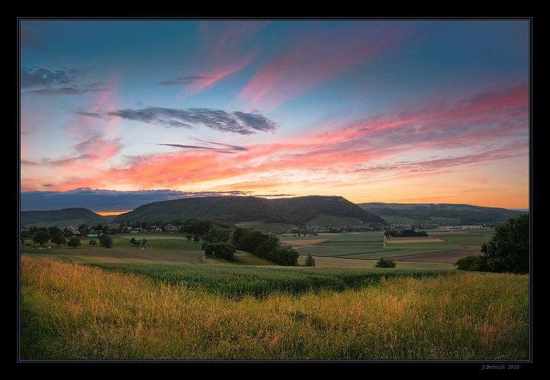 Летний вечер краски разлилphoto preview