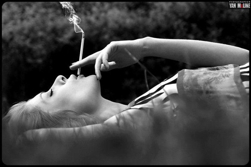 una sigaretta ..photo preview