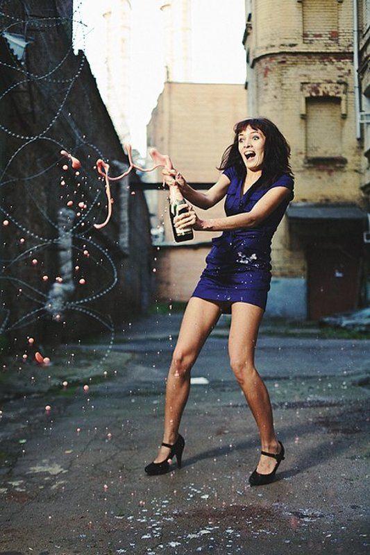 шампанское, взрыв, девушка, улица, город ... за знакомство ... !!!photo preview