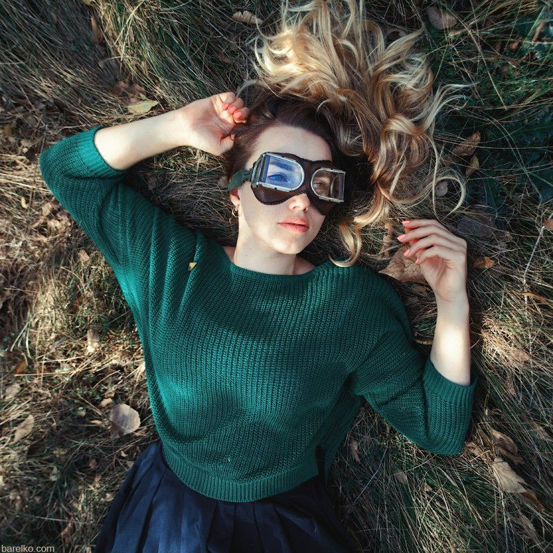 autumn, fall, grass, beauty, woman, young, laying, googles Autumnal portraitphoto preview