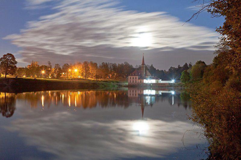 Гатчина, Приоратский дворец, полнолуние, ночь, ночная съёмка Приорат в полнолуниеphoto preview