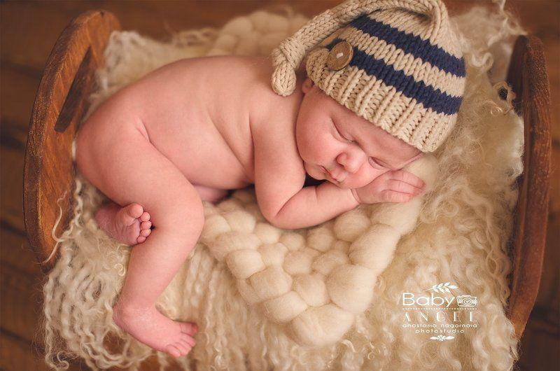 новорожденный, мальчик, шапочка,фон новорожденный Ромаphoto preview