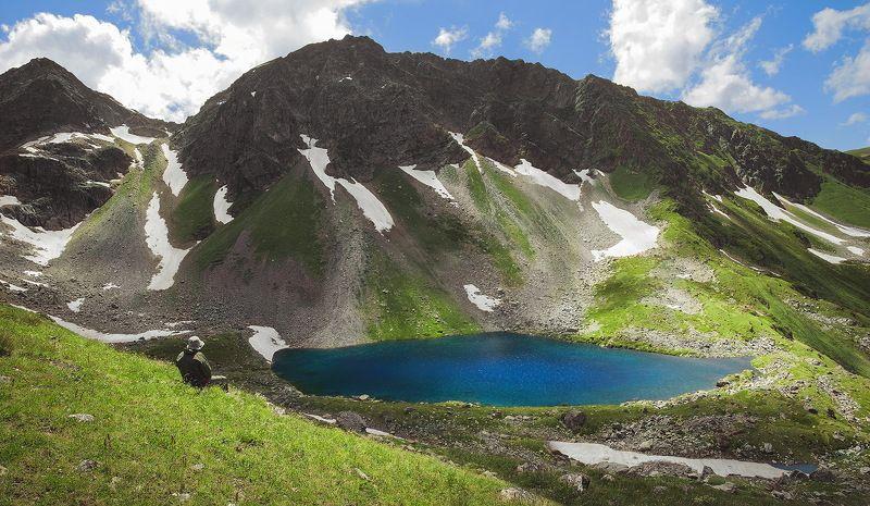 горы, озеро, снег, туризм Над Семицветным озеромphoto preview