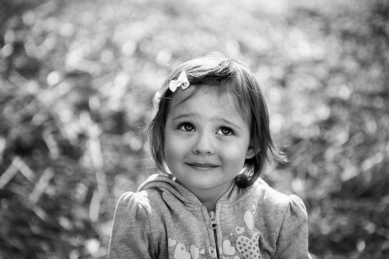 ребенок портрет чб *photo preview