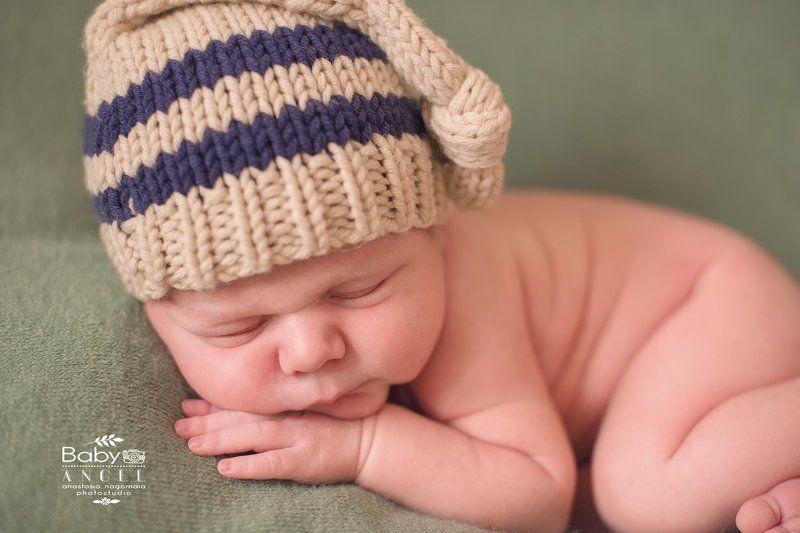 новорожденный, мальчик, шапочка,фон Ромаphoto preview