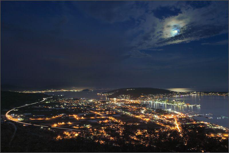 Город Луна Море Город под лунойphoto preview