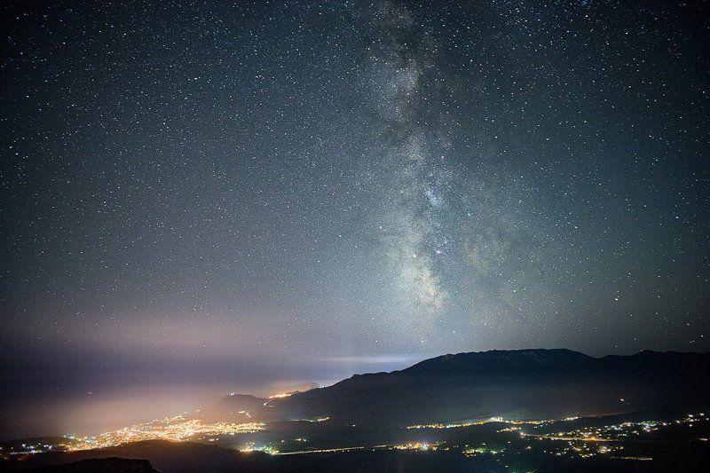 крым, алушта, звезды, ночь, млечный путь Млечный путь над Алуштойphoto preview