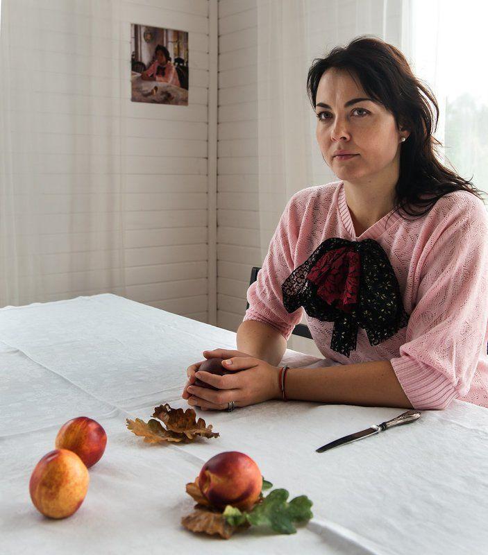 Девочка с персиками по Серовуphoto preview