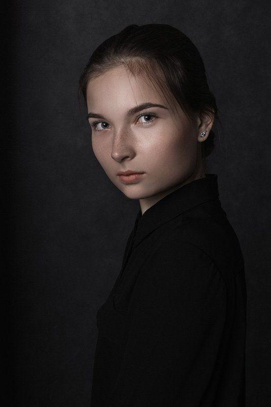 портрет, студийный портрет, портрет девушки, женский портрет, студийный портрет L I L Iphoto preview