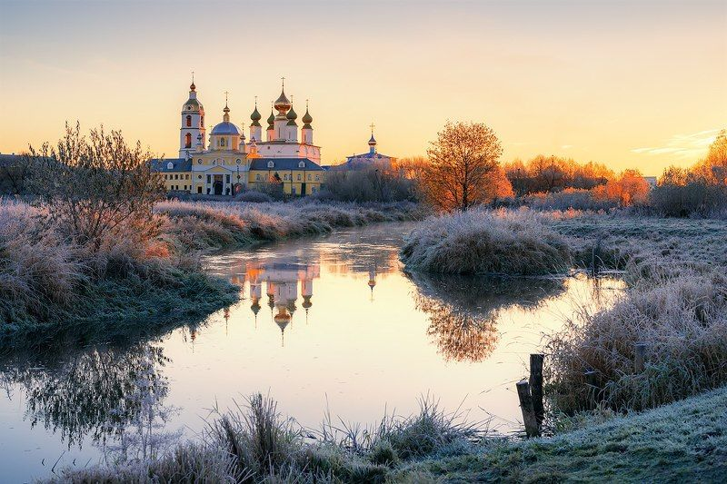 иней, мороз, церковь, река, рассвет, пейзаж, природа Морозное утро октября...photo preview