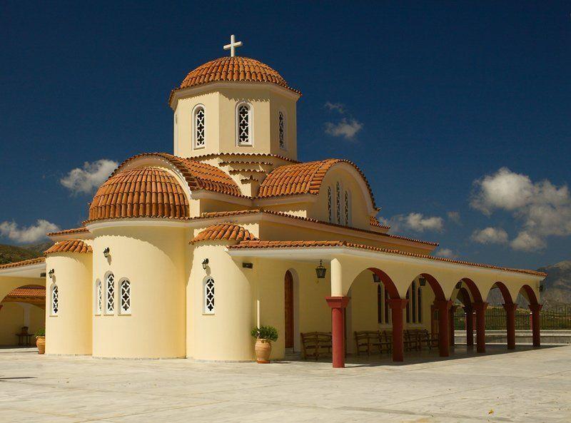Православный храм в Грецииphoto preview
