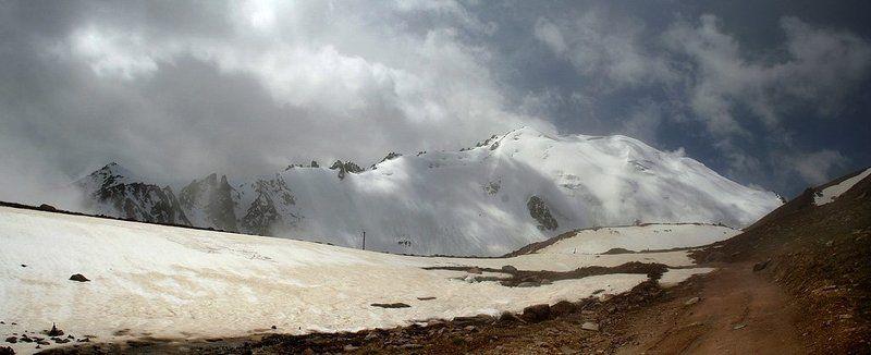 казахстан, заилийский, алатау, природа, горы будков дмирий, ледник молодежный Туманное утро или дыхание горphoto preview
