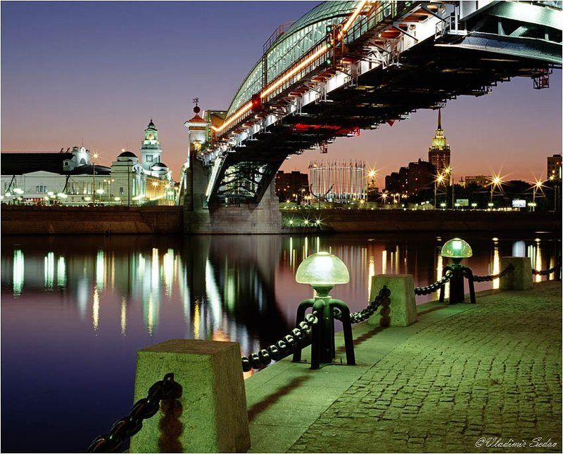 город, мост, свет, река Пешеходный мост у Киевского вокзалаphoto preview