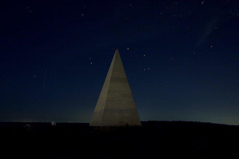 пирамида, новорижское ш., голод, ночь спящая пирамидаphoto preview