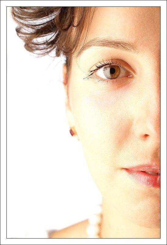девушка, лицо, портрет, кудри, высокий ключ, фотокросс Half...photo preview