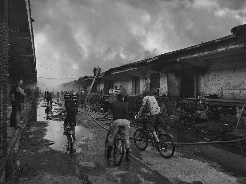 пожар Пожар на Бадаевских складахphoto preview