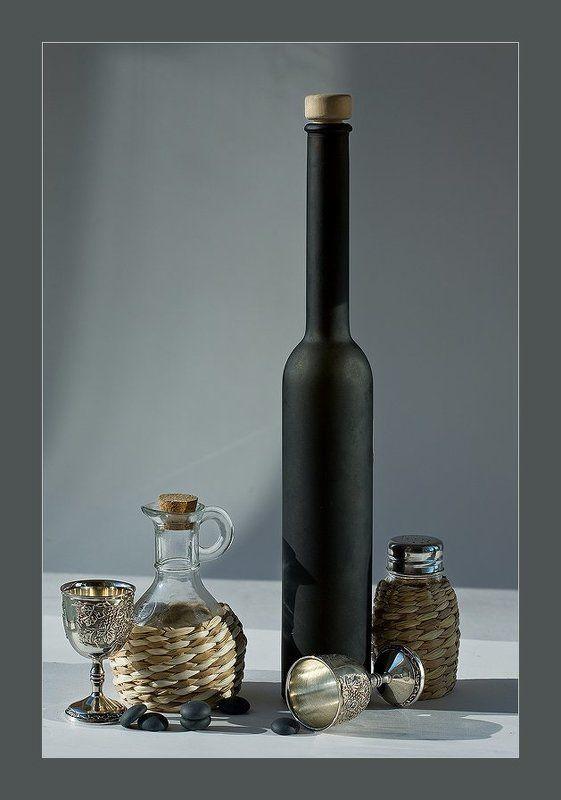 бутылка, бокалы Fade to gray...photo preview