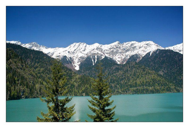 весна, горы, озеро Озеро Рицаphoto preview