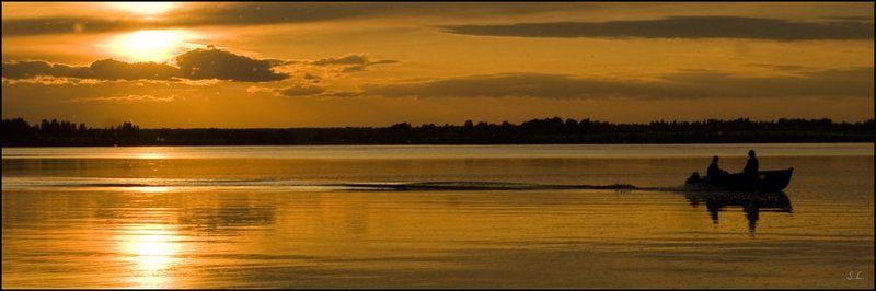 лодка, закат Зеркало чувствphoto preview