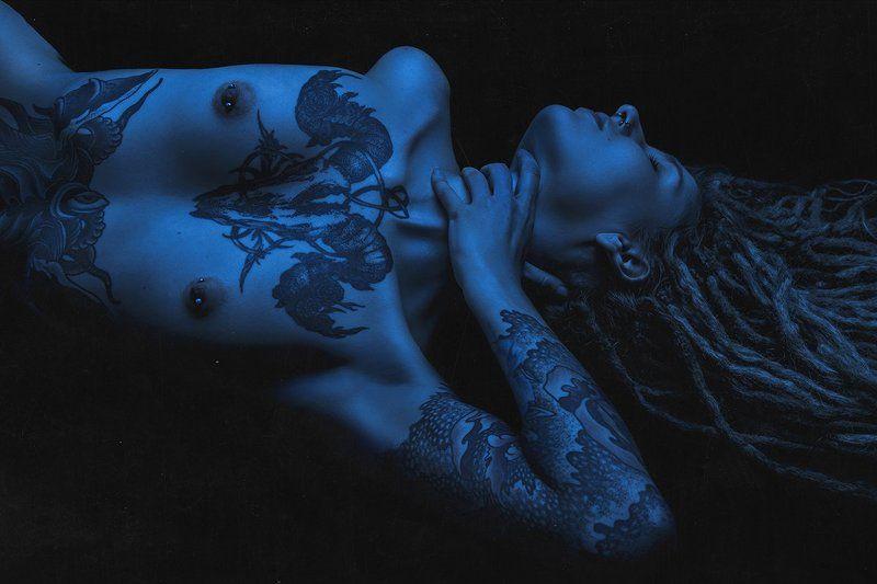 Analog, Art nude, Art photo, Art-nu, Blue, Body, Female, Girl, Portrait, Арт-ню, Девушка, Коллаж, Ню, Портрет, Синий, Студия, Тату, Тело Bodyphoto preview