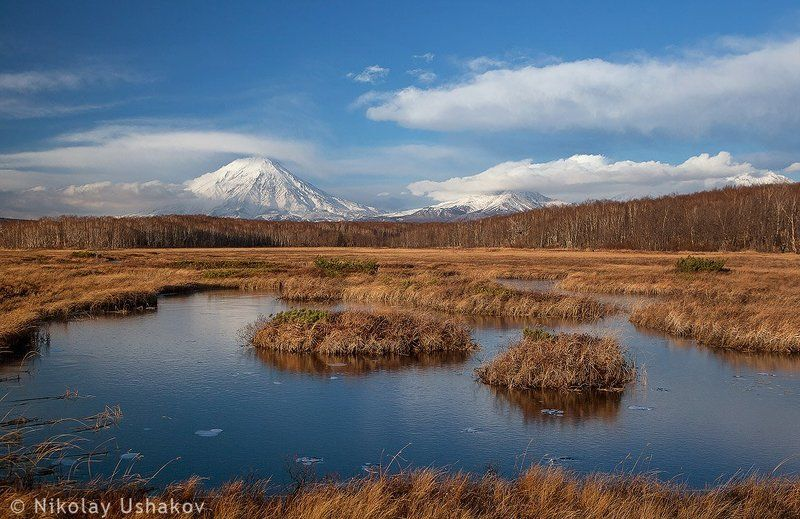камчатка озеро лед вулкан поздняя осеньphoto preview