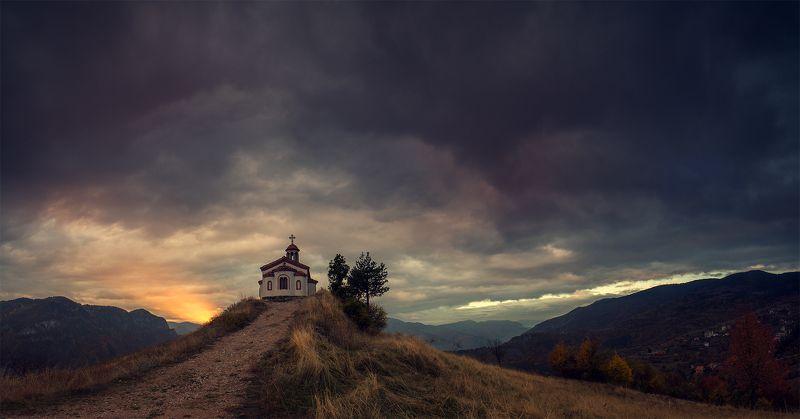 Осенняя молитва на закатеphoto preview
