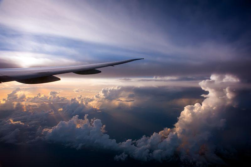 рассвет, полёт, самолет, облака, небо, пейзаж Рассвет в облакахphoto preview