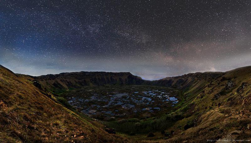 остров Пасхи, ночь, путешествие, Вулканический кратер острова Пасхиphoto preview