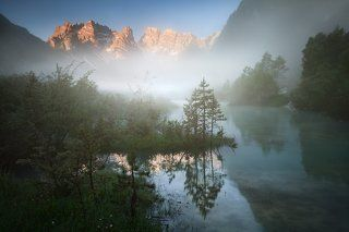 Mystical morning on the lake