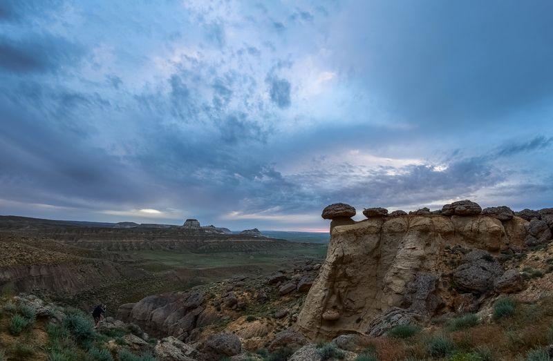 казахстан,долина замков В ожидании кульминации.photo preview