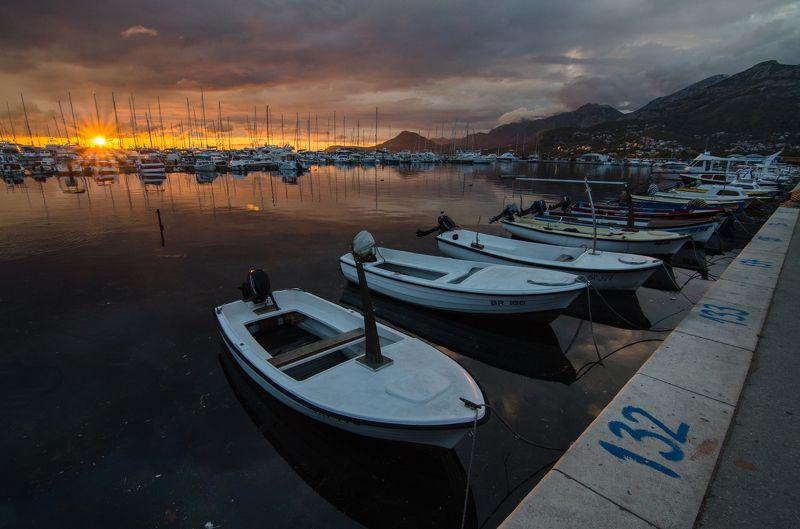 Черногория, закат, лодка, пейзаж Бар2photo preview