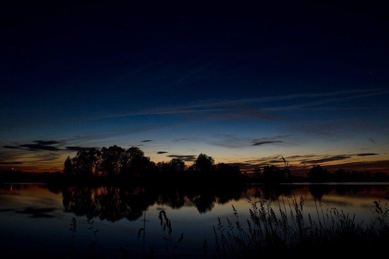 Поздние сумерки. Озеро утренних туманов.photo preview