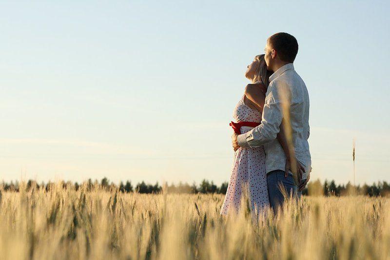 двое, пара, платье в горошек, поле, колоски, любовь, солнце, проспект, тень, свет One day of the...photo preview