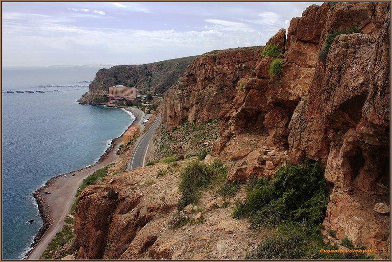 море, скалы, дорога Пейзажи Андалусииphoto preview