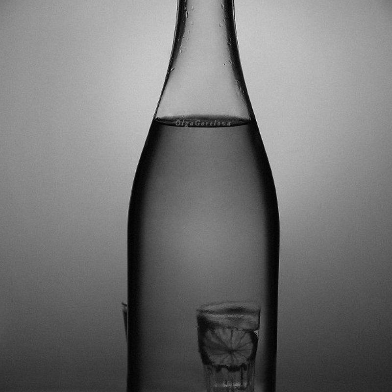 натюрморт, чб, лимон, фото, стекло с лимономphoto preview