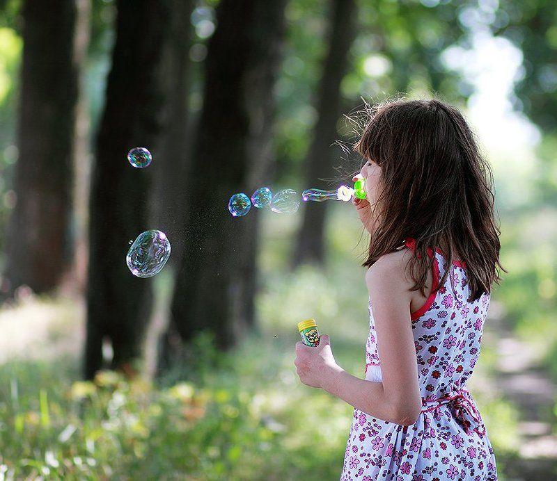 мыльные пузыри, девочка Племяшкаphoto preview