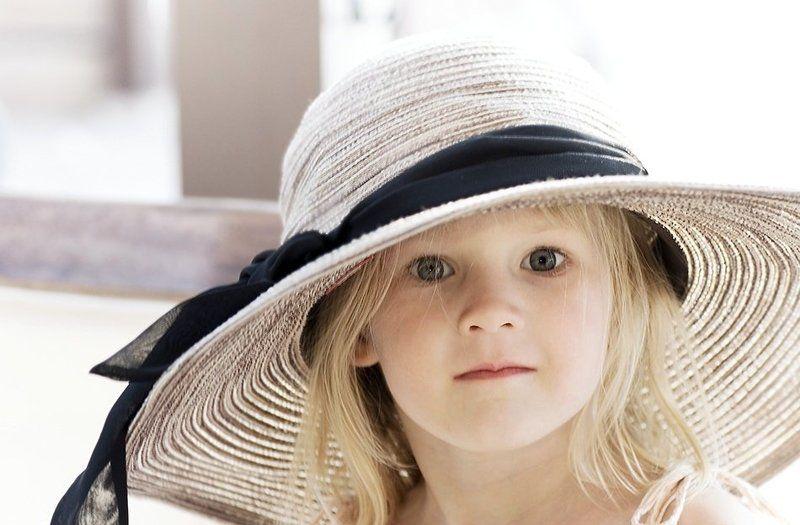 девочка, портрет, шляпа Шляпкаphoto preview