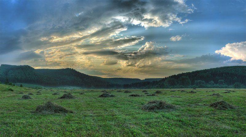 сенокос, россия, поле, небо, облака Россия. Вдали от городов.photo preview