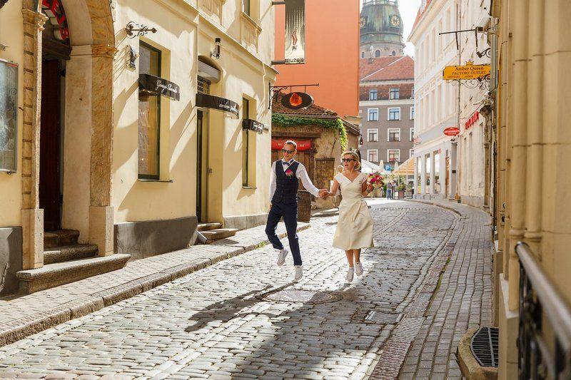 свадебная прогулка, свадьба, жених, невеста, любовь, love story, кольца, mdmmikle, Латвия, Рига Прогулка по городуphoto preview