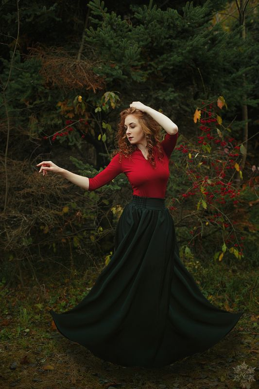 осень, лес, рыжая девушка Маргоритаphoto preview
