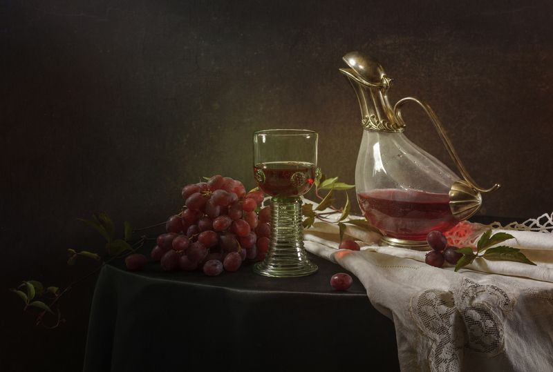 натюрморт, графин, виноград, бокал Натюрморт с графиномphoto preview