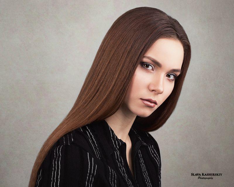 портрет, портрет девушки девушки, студия, светлый фон Евгенияphoto preview