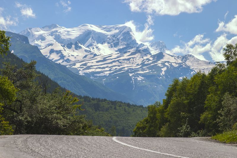 road to Elbrusphoto preview