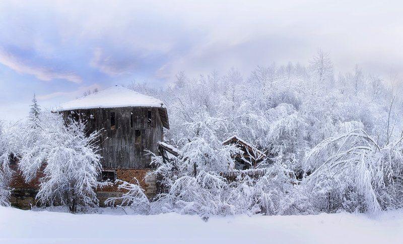 Зима в Балканских горахphoto preview