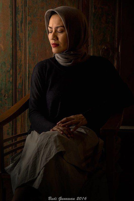 portrait woman mood emptyphoto preview