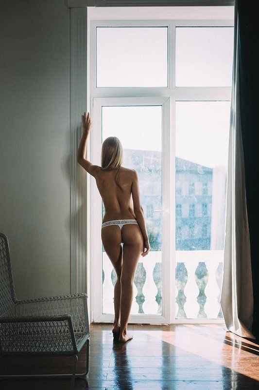 girl,beauty,nude,body,room,window A.photo preview