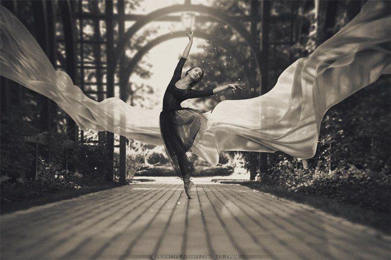 air, ukraine, girl, kiev, kyiv, dance, black and white, photo, model, portraits, lightning, photography, ballet, levitation, ballerina, oleg ermak, fin art, photographerkiev, olegermak, oleg_ermak, Ballerinaphoto preview
