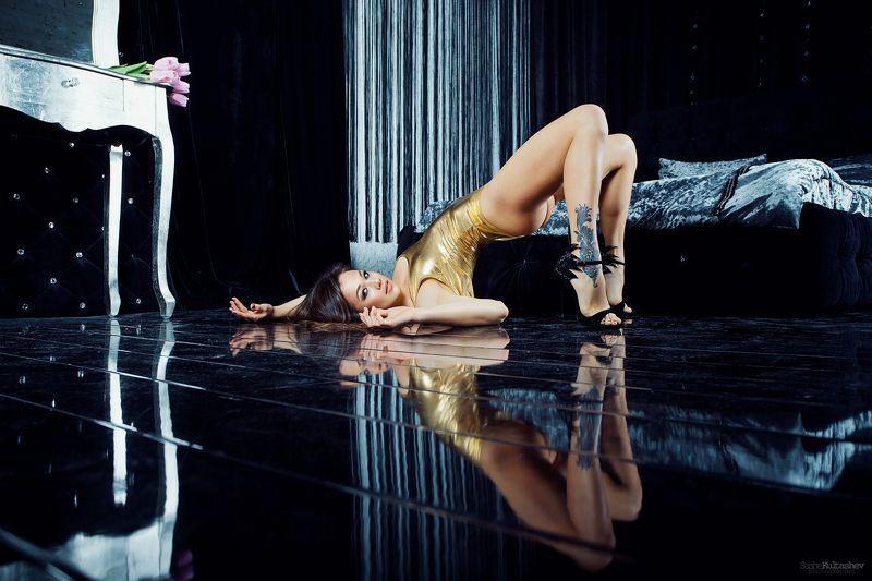 рояль, модель, золото, студия, фотограф в Киеве, Сашэ Култашев, портфолио, студийная съемка reflectphoto preview