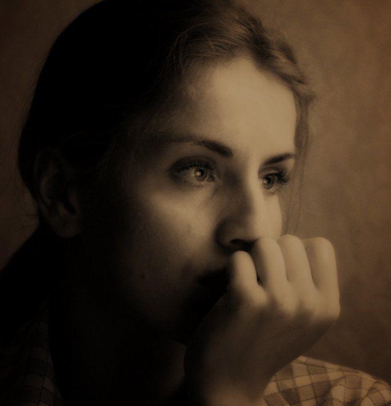 портрет,девушка,сепия ~photo preview