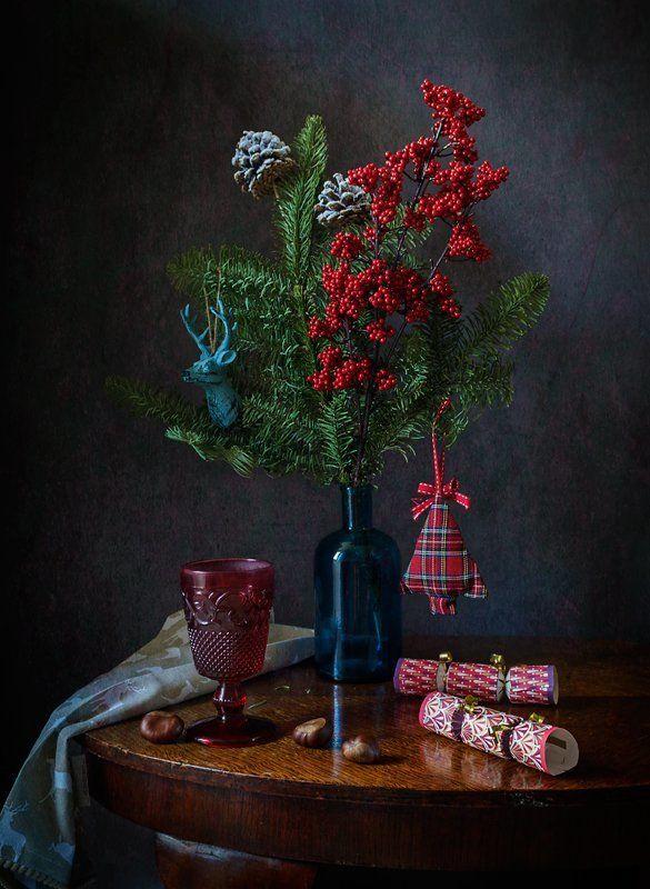 новый год, праздник, еловые ветки, хлопушки, бокал Праздничныйphoto preview